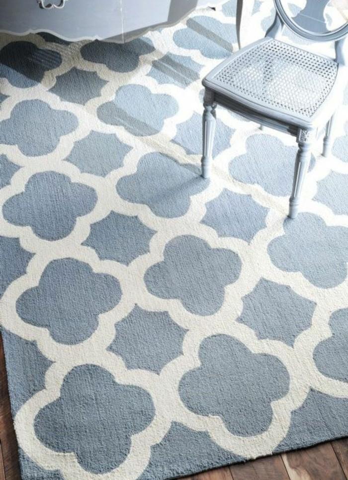 tapis bleu et blanc salon pr l vement d 39 chantillons et une bonne id e de. Black Bedroom Furniture Sets. Home Design Ideas