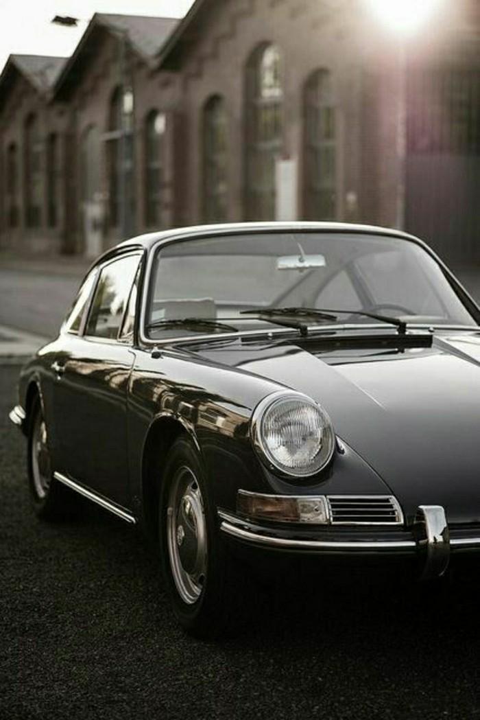 0-vehicules-de-collection-porsche-911-noir-pour-les-fans-de-voitures-de-collection