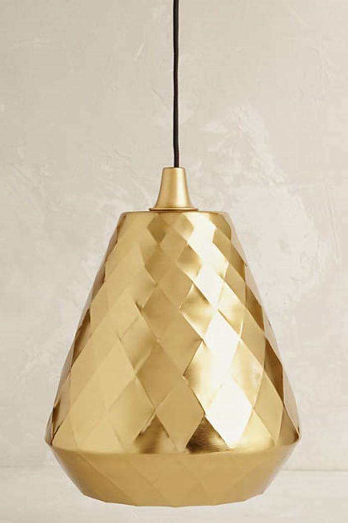 00-anthropologie.com-lustres-design-en-or-les-lustres-dorés-luminaire-salle-à-manger