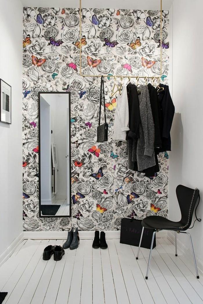 00-papier-peint-chantemur-idee-deco-murs-tapisserie-couloir-originale-coloré