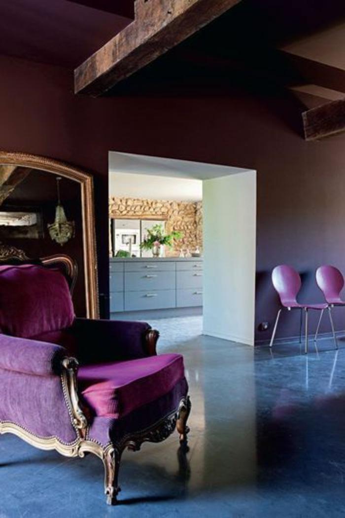 00-une-autre-magnifique-idee-pour-comment-associer-prune-couleur-meubles-couleur-violette-foncé