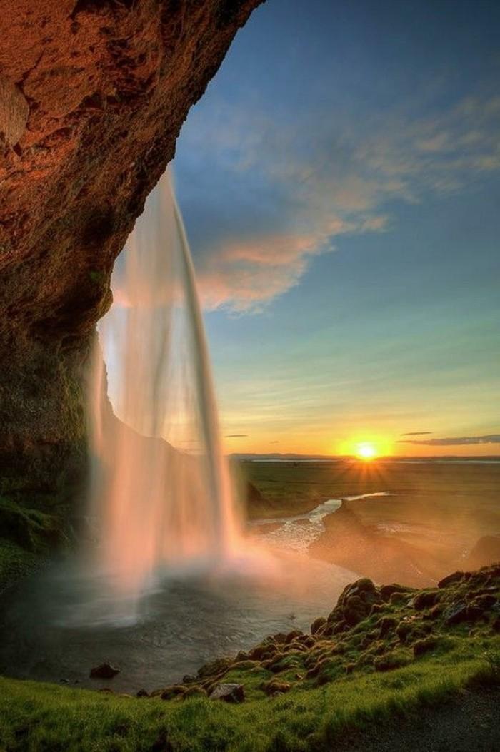 000-Selfoss-jolie-vue-cascade-plage-paradisiaques-les-meilleures-plages-du-monde