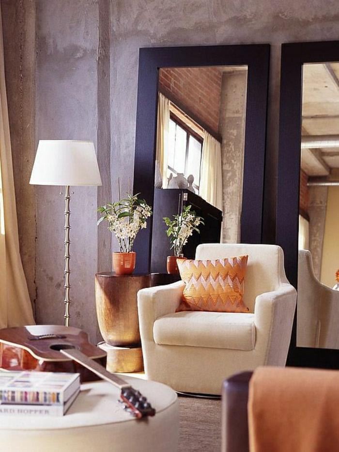 2-0-jolie-idee-pour-le-salon-lampe-de-salon-blanche-nuancier-violet-meubles-beiges