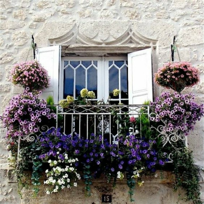 2-comment-fleurir-son-balcon--blacon-fleuri-amenagement-balcon-idee-deco-balcon