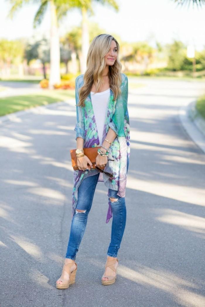 Belle-idée-tenue-de-jour-veste-kimono-style-bohème-chic-cool-femme-jolie-en-été