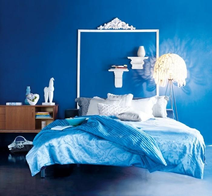 Couleur-peinture-chambre-adulte-couleur-taupe-d'ecoration-chambre-parentale