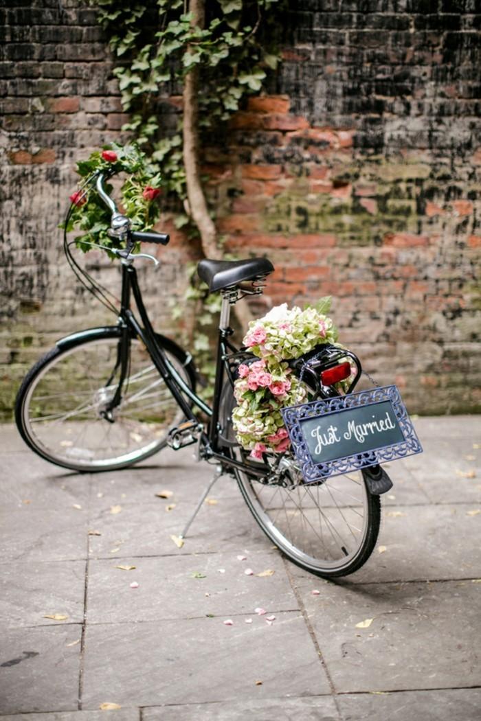 Nostalgique-pièces-vélo-vintage-velo-occasion-cool-mariage-bouquet