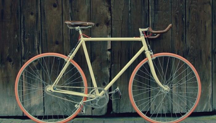 Photographie-très-jolie-art-vélo-ancient-anjou-bike-beau-image