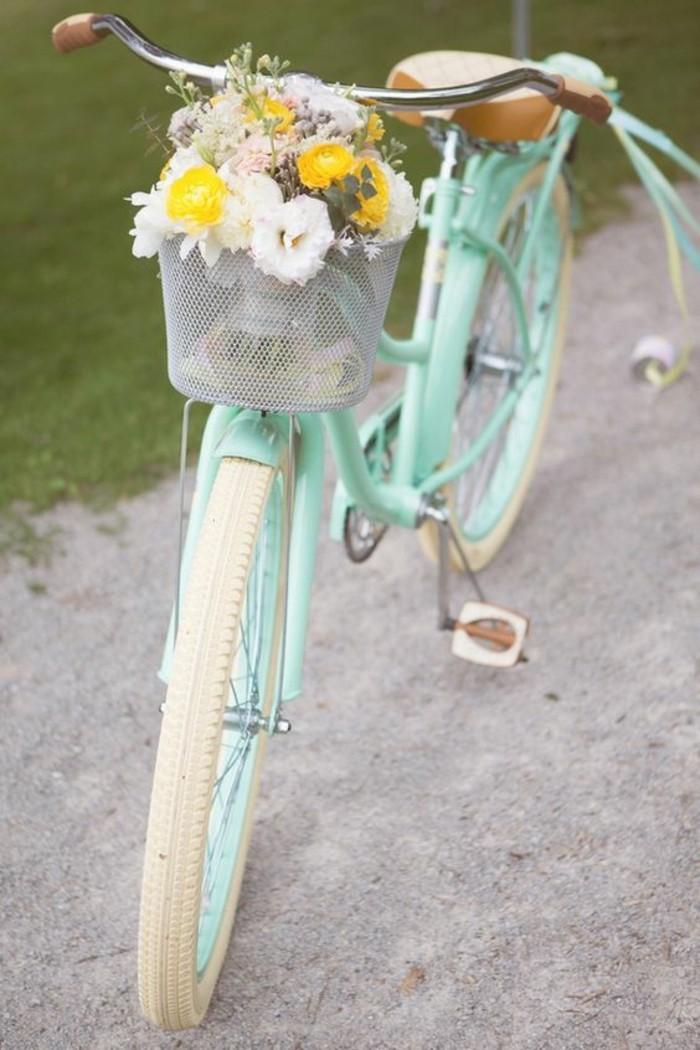 Style-à-deux-roux-velo-retro-vintage-cycles-belle-photo-fleurs-dans-basket