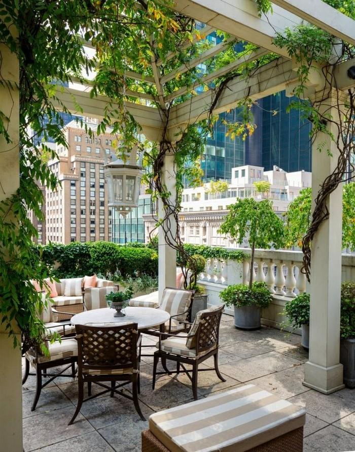 amelliorer-son-balcon-parisien-aménager-balcon-agencement-terrasse-image-new-york