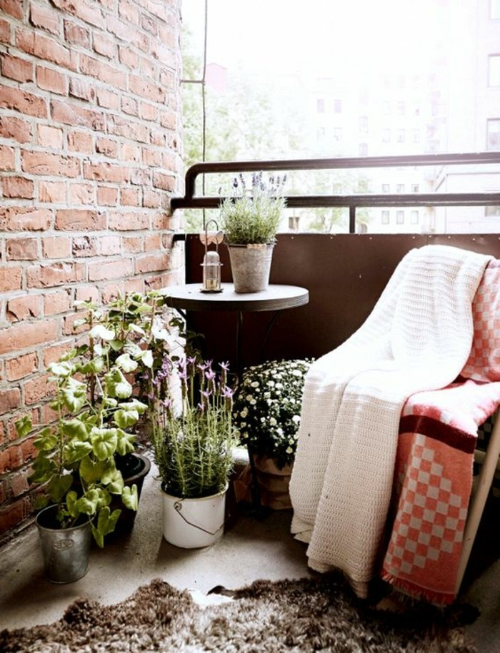 Comment fleurir son balcon en 80 photos avec des id es for Bien decorer son appartement