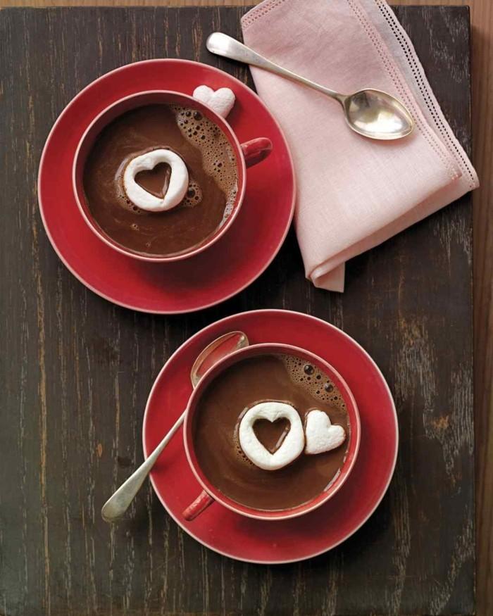 angelina-chocolat-chaud-bon-chocolat-chaud-cacao-chaud-chocolat-rouge-tasse-marchmellow-coeur