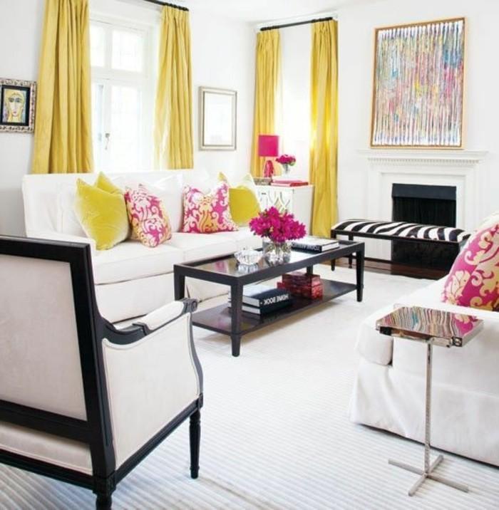 assortir-les-couleurs-d-intérieur-dans-le-salon-rideuax-jaunes-salon-chic-meubles-beiges