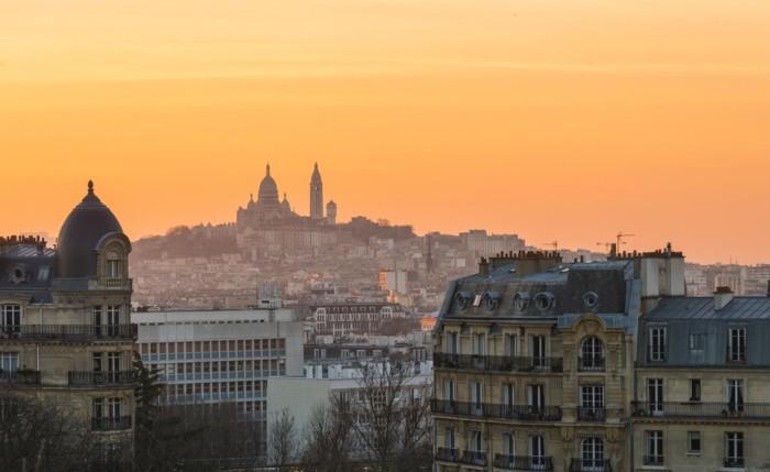 au-coucher-de-soleil-les-appartement-toit-terrasse-paris-beauté-de-la-ville-de-Paris-beau