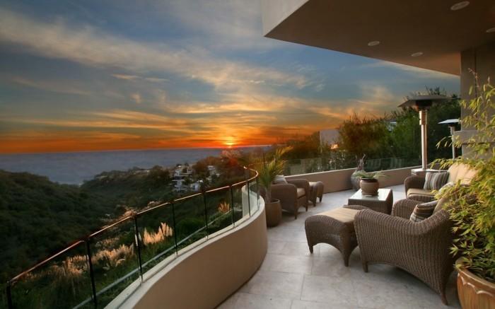 belle-idée-voir-amenager-un-balcon-decoration-de-terrasse-decorer-son-balcon-terasse