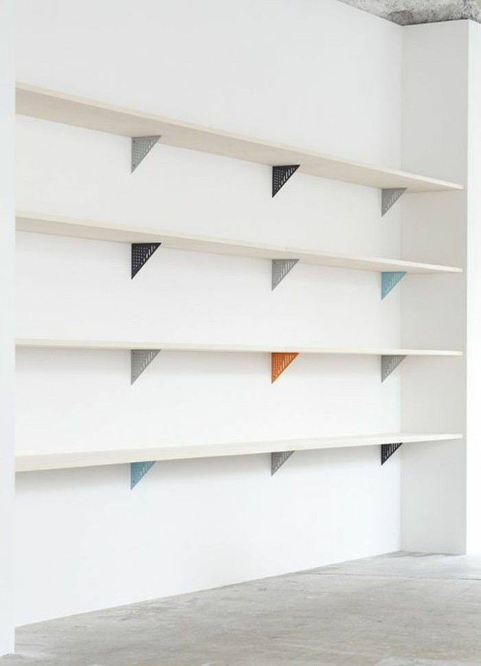 etagere murale pour bibliotheque bookshelves design lineaire etagere murale sous escalier en. Black Bedroom Furniture Sets. Home Design Ideas
