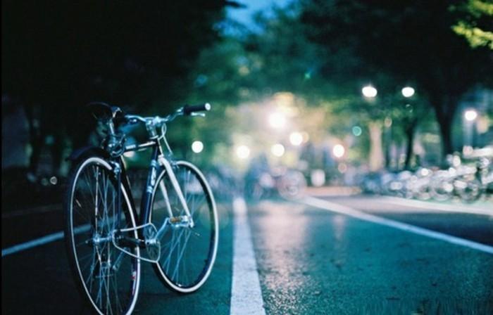bicyclette-retro-trop-jolie-velo-vintage-occasion-prendre-les-nuits