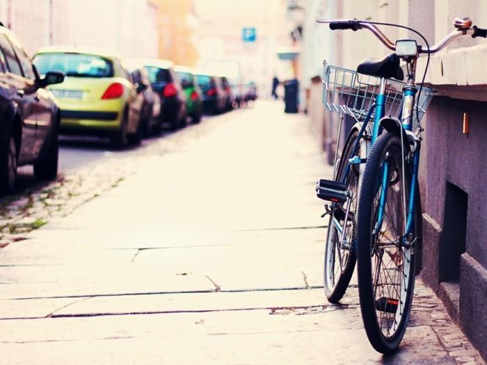 bicyclette-retro-trop-jolie-velo-vintage-occasion-prendre-rue