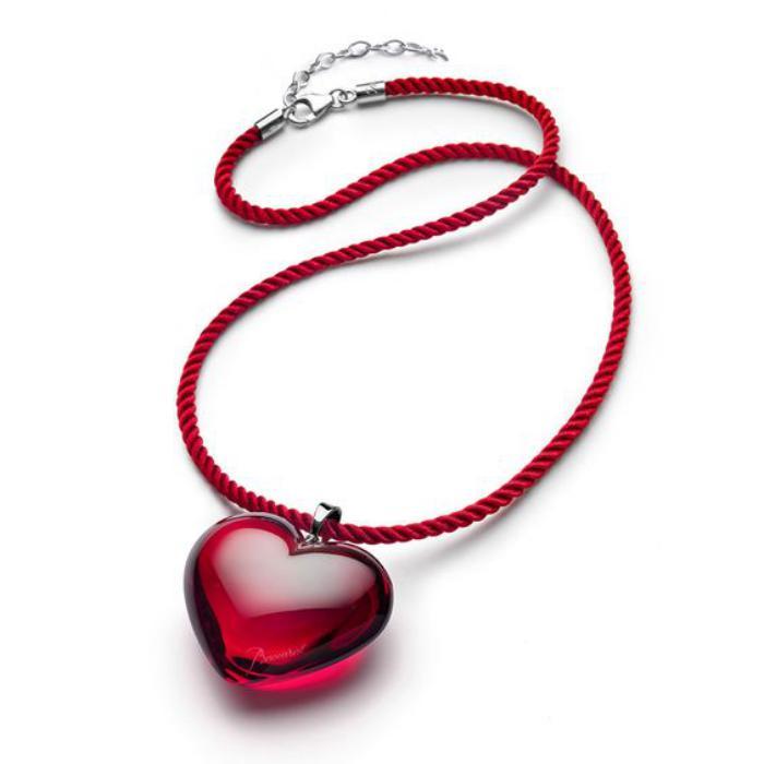 Chambre Romantique Moderne : bijoux baccarat, pendentif coeur en cristal rouge