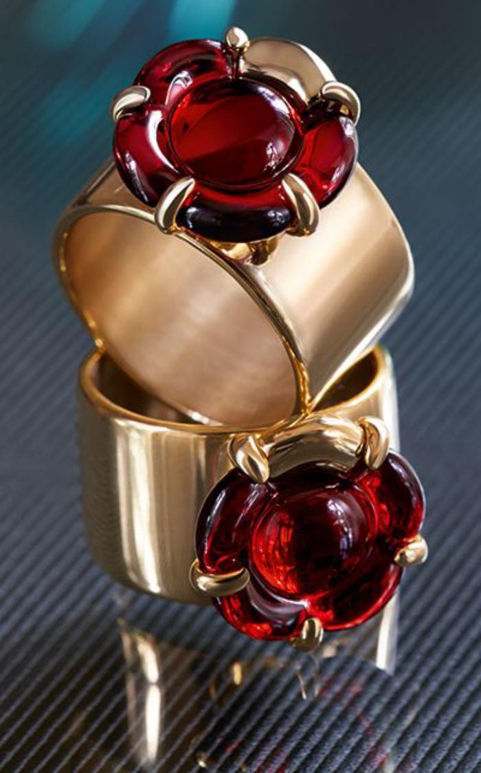 bijoux-baccarat-fleurs-en-cristal-rouge