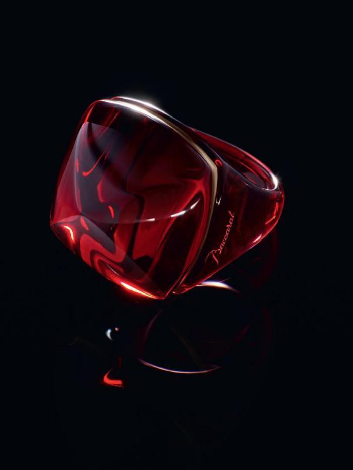 bijoux-baccarat-grosse-bague-couleur-rouge-profonde
