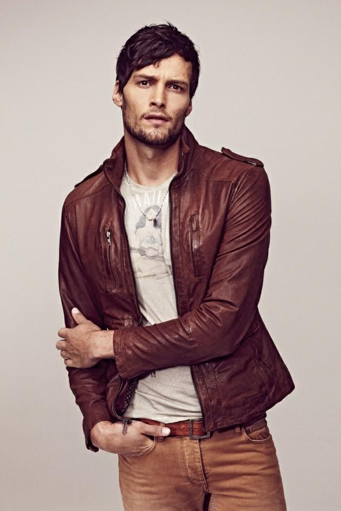 veste cuir rouge zara homme les vestes la mode sont populaires partout dans le monde. Black Bedroom Furniture Sets. Home Design Ideas