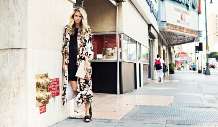 boho-chic-boheme-style-de-kimono-moderne-tenue-tendance-belle-classe