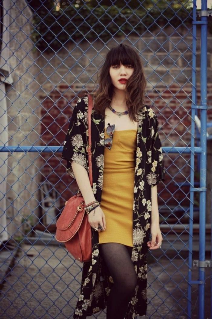 boho-style-chic-boheme-style-de-kimono-moderne-tenue-tendance-cool-femme