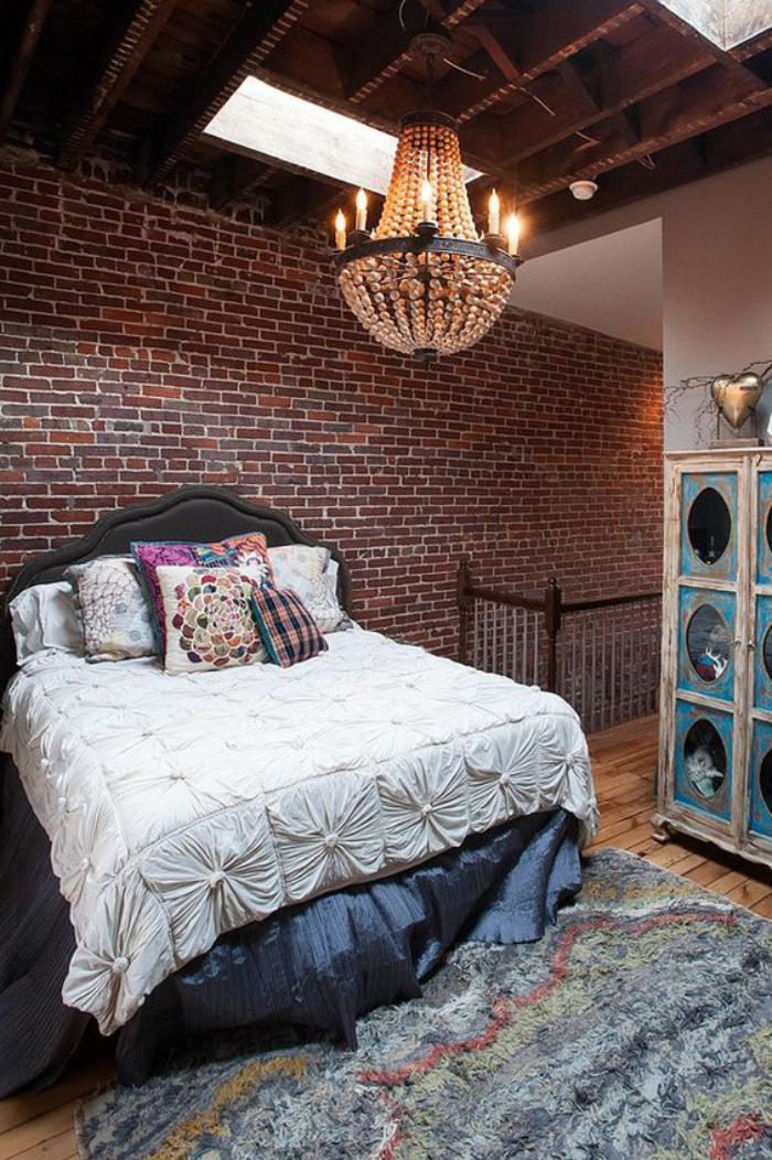 La brique rouge l ment d co principal du loft contemporain for Chambre a coucher en bois rouge