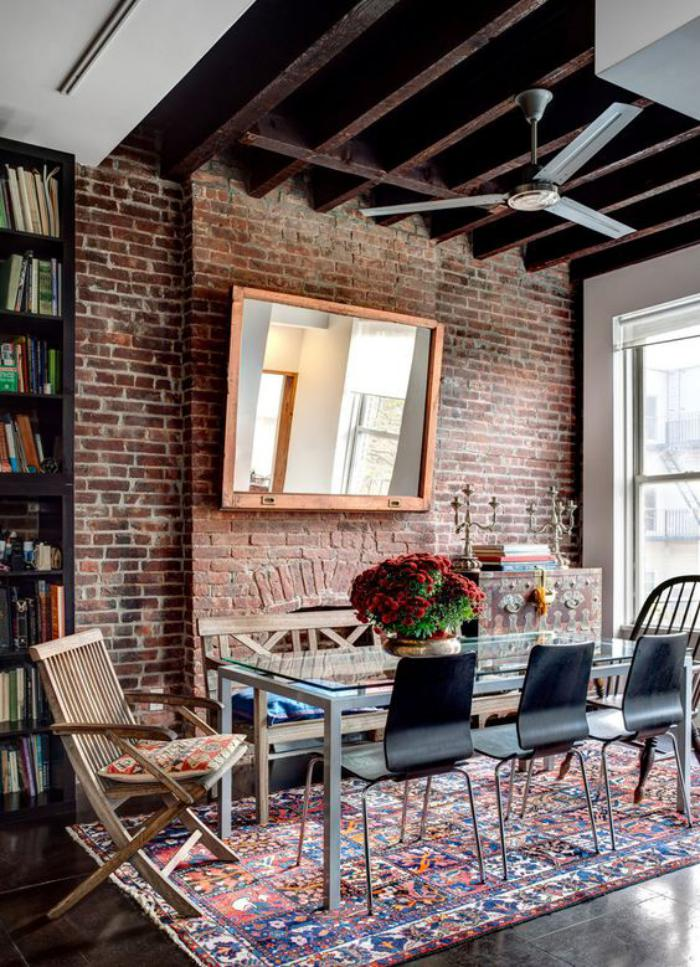 La brique rouge element deco principal du loft contemporain for Quelle couleur dans les toilettes 9 papier peint pour couloir comment faire le bon choix