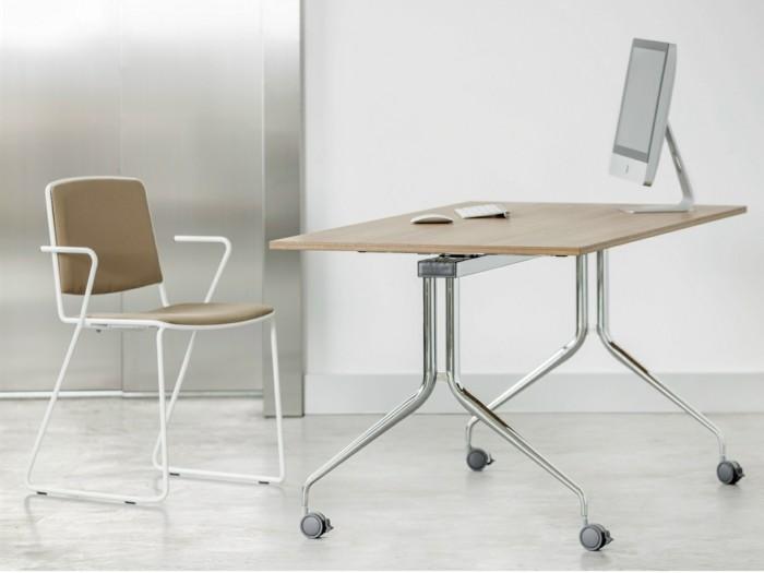 bureau-en-bois-clair-murs-et-sol-gris-bureau-pliante-en-bois-et-acier-idee-meubles-pliantes