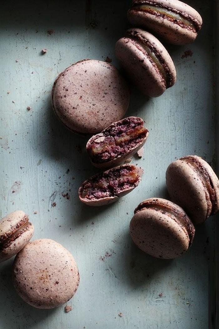 cadeau-idée-originale-parfums-macarons-ladurée-femme-offrir-le-macaron-chocolat