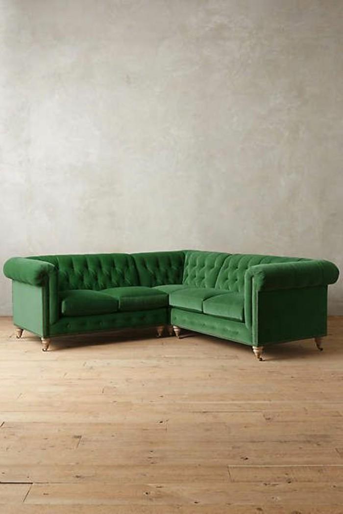 canapé-capitonné-d-angle-de-couleur-vert-comment-bien-amenager-le-salon