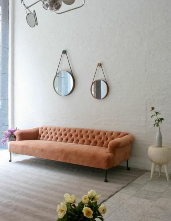 canapé-chesterfield-pas-cher-de-couleur-orange-canape-d-interieur-chic