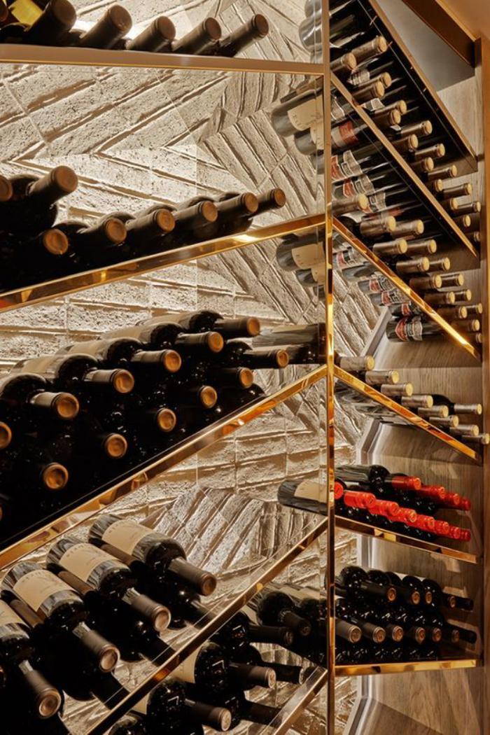 cave-à-vin-design-diagonal-rangement-bouteilles-de-vin