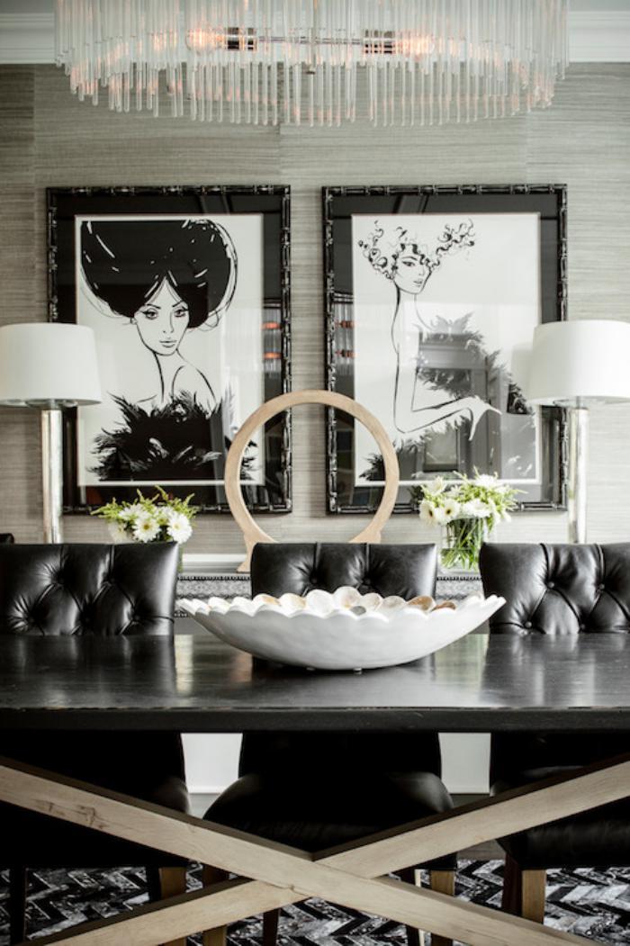 chaise-capitonnée-chaises-noires-capitonnées-dans-une-salle-de-déjeuner
