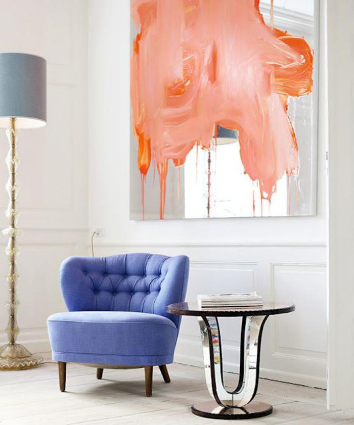 chaise-capitonnée-forme-ovale-déco-extravagante