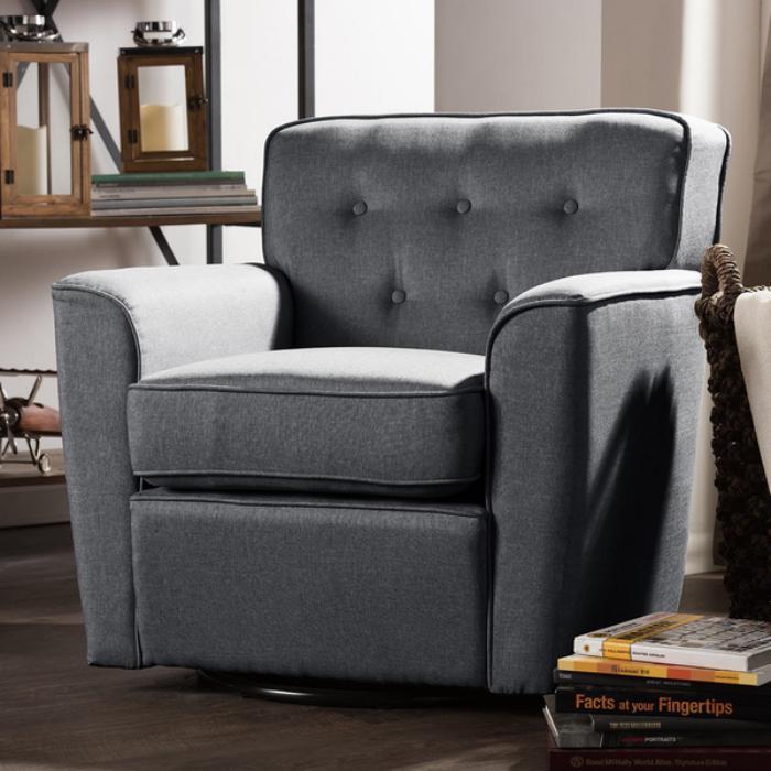 chaise-capitonnée-grise-un-grand-fauteuil-cosy-et-design