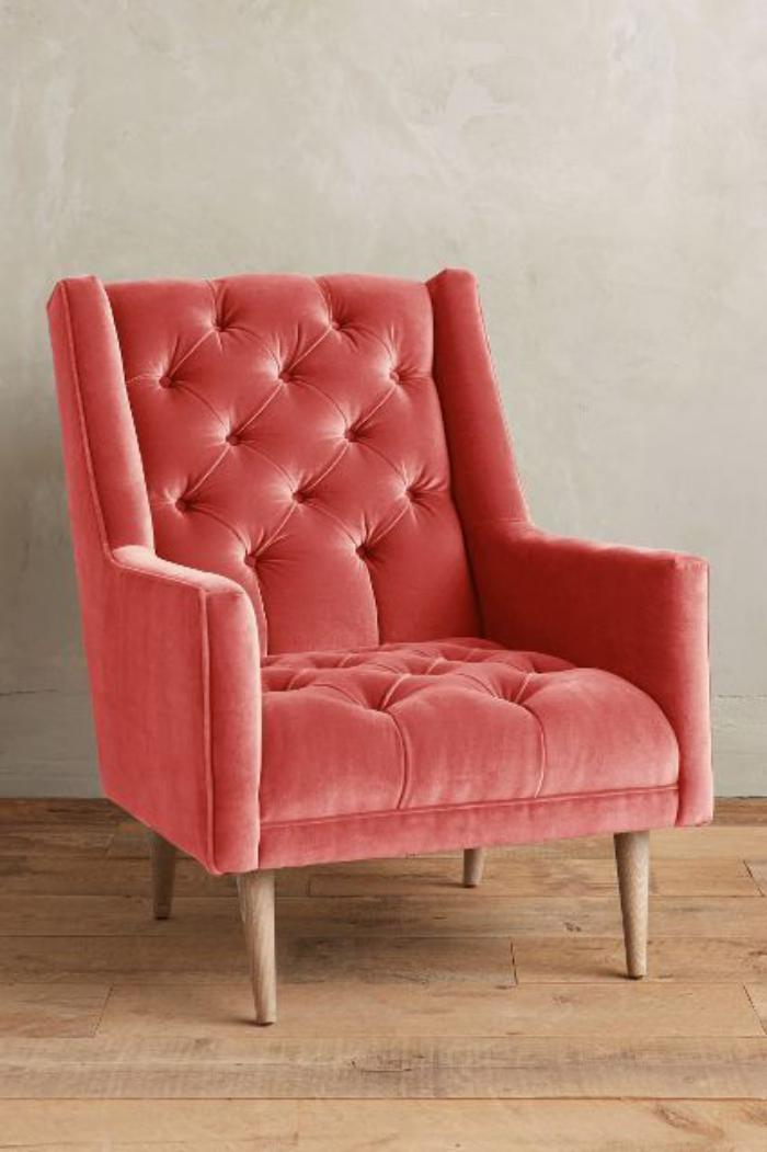 chaise-capitonnée-rose-bois-et-velours