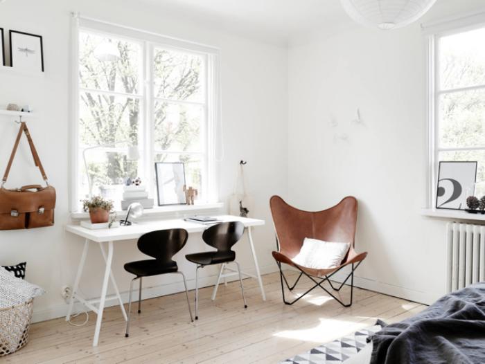 chaise-papillon-deux-chaises-fourmi-noires