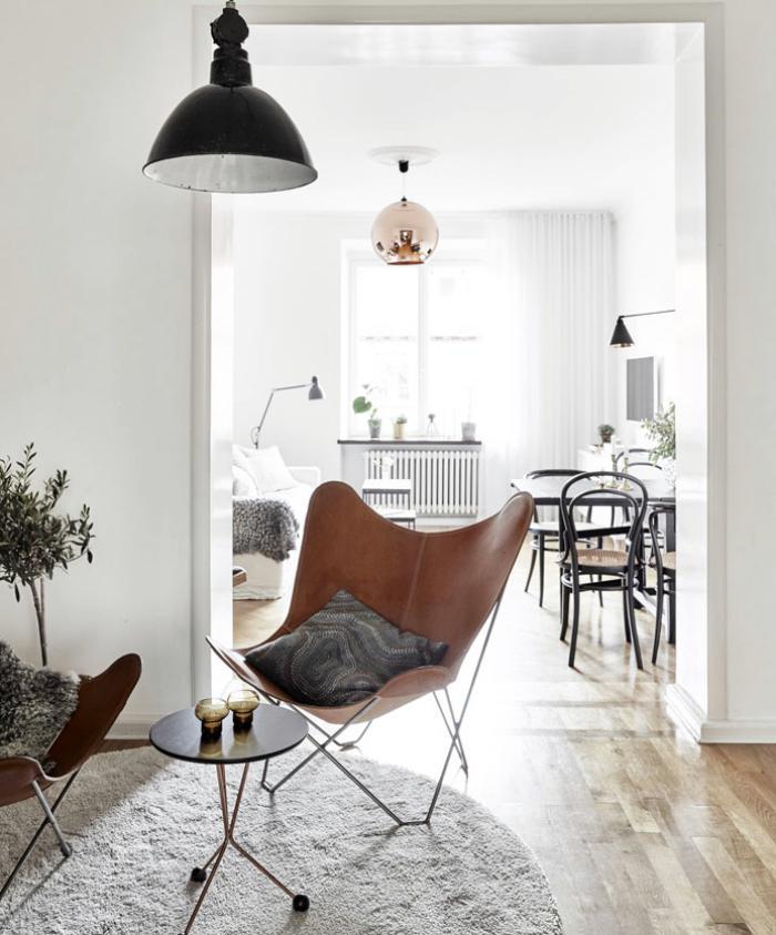 chaise-papillon-et-appartement-scandinave