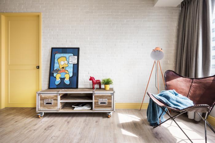 chaise-papillon-meuble-diy-avec-roulettes