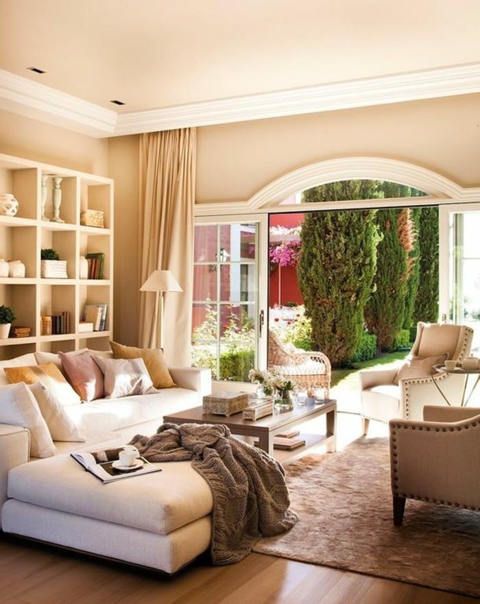 couleur-complémentaire-du-beige-couleur-peinture-salon-meubles-de-salon-couleur-taupe-tapis-beige