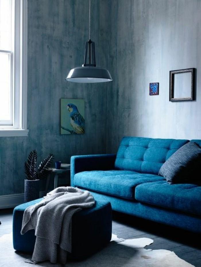 couleur-complémentaire-du-bleu-canapé-bleu-mur-couleur-peinture-bleu-meubles-de-salon