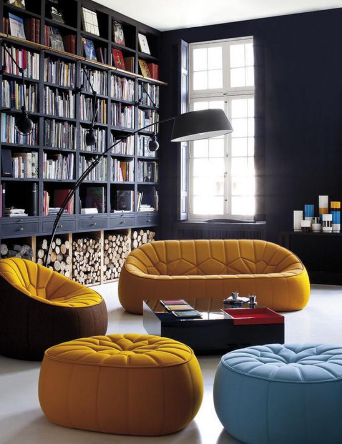 couleur-ocre-mobilier-moderne-et-grande-bibliothèque