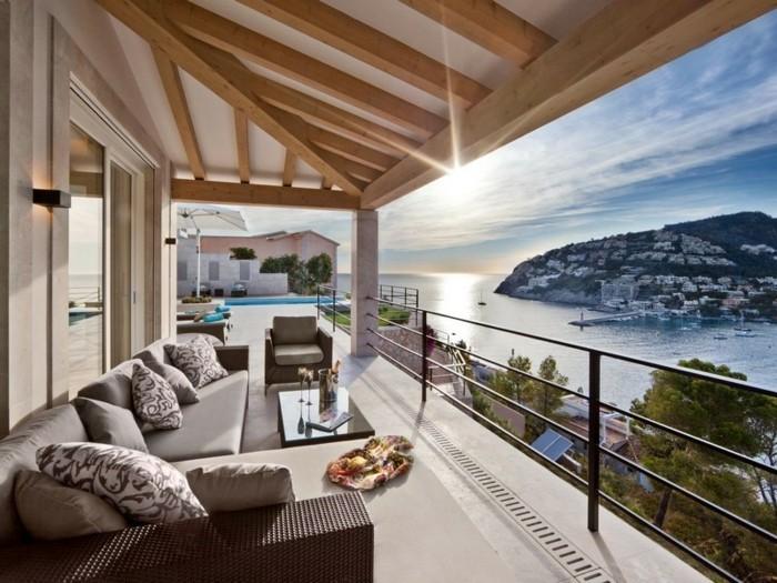 déco-voir-design-extérieur-décorer-sa-terrasse-aménager-un-petit-balcon-balcons-fleuris