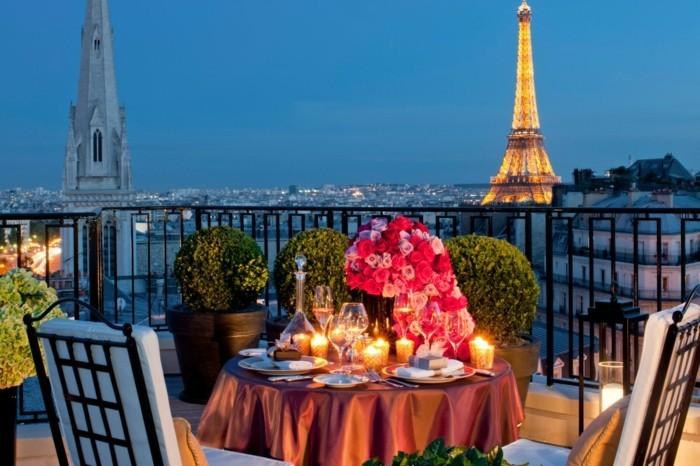 deco-exterieur-terrasse-idee-terasse-banc-balcon-belle-vue- meuble-balcon-hotel-quatre-saison-paris