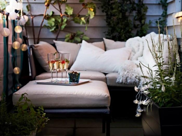 Les meilleures id es comment d corer son balcon - Decoration balcon long et etroit ...