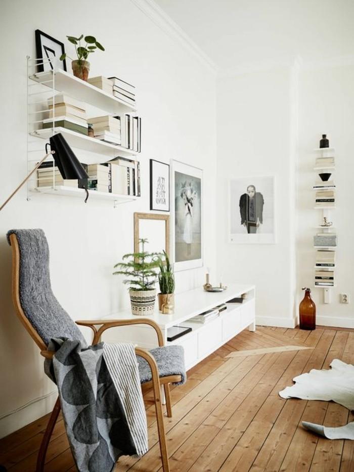 etageres-muraux-blancs-mur-blanc-decoration-chic-sol-en-planchers-clair-mur-blanc