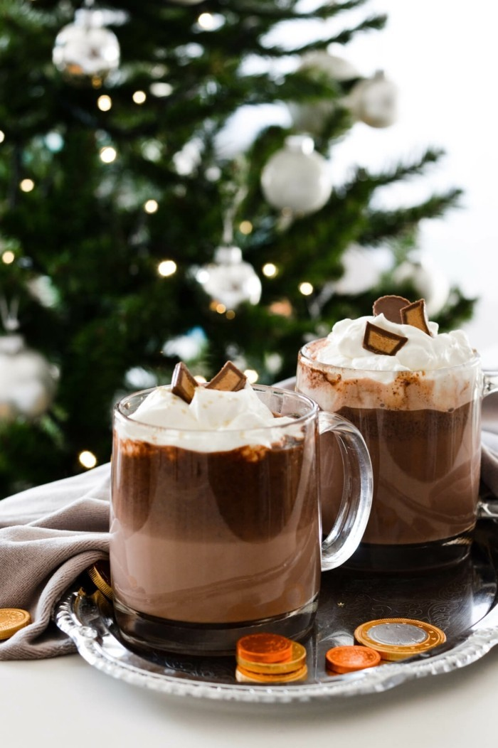 faire-un-chocolat-chaud-chocolat-chaud-angelinachocolat-blanc-chaud-noel